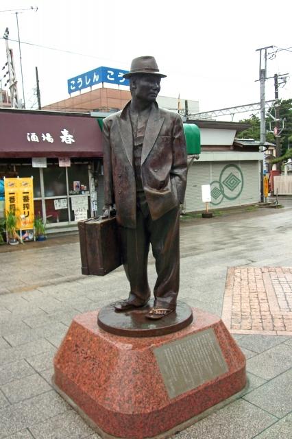 寅さん 柴又駅前